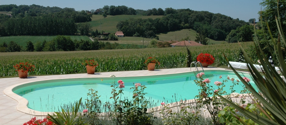 swimming pool with a view at Domaine Lavie